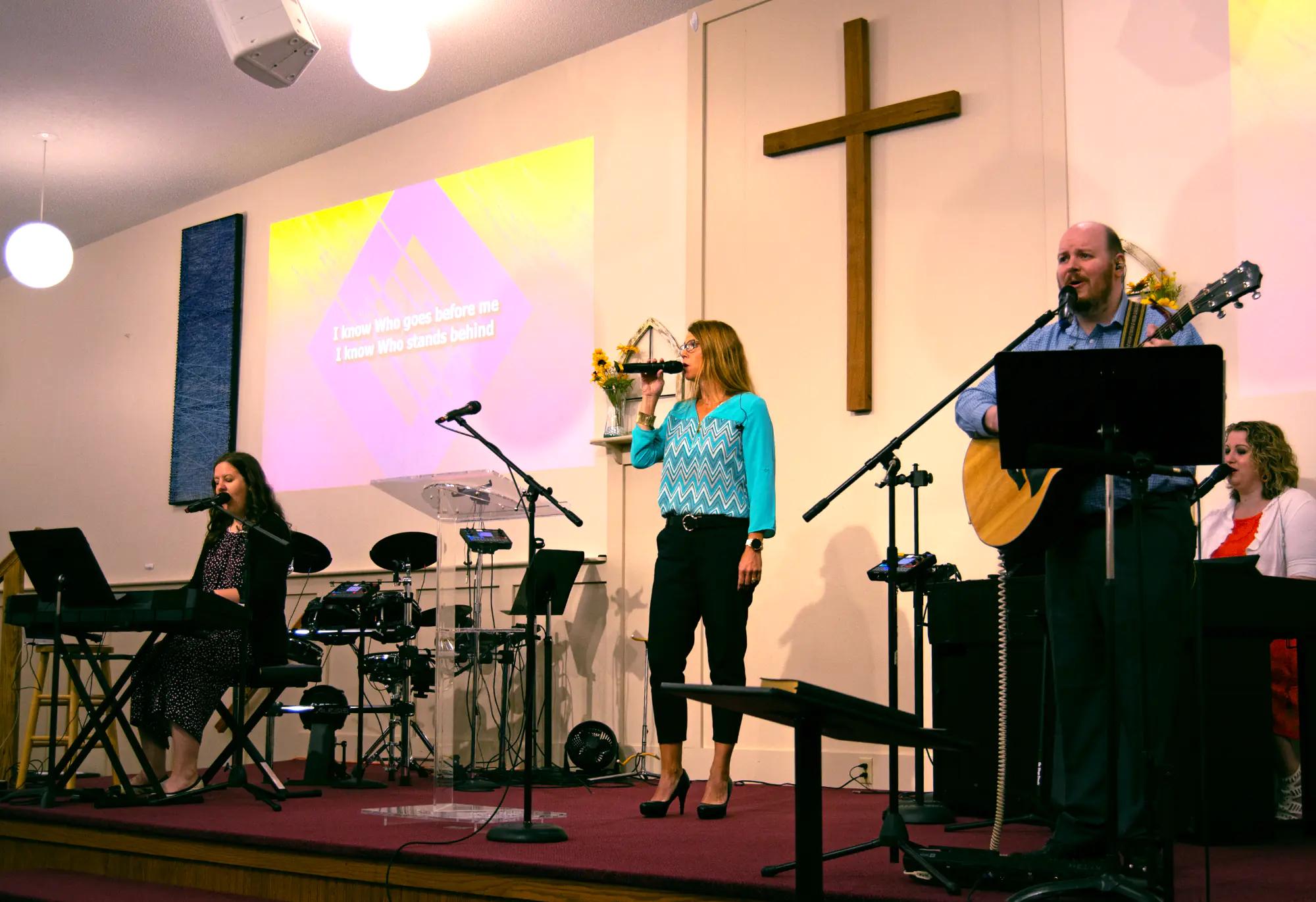 https://gpc-media.s3.amazonaws.com/images/worship-team-01.jpg